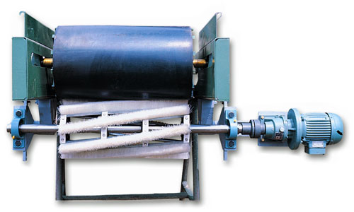Brushing Unit for Conveyor Belts | Industrial Brushes SIT