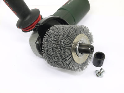Step 3: Mount the roller brush in the shaft